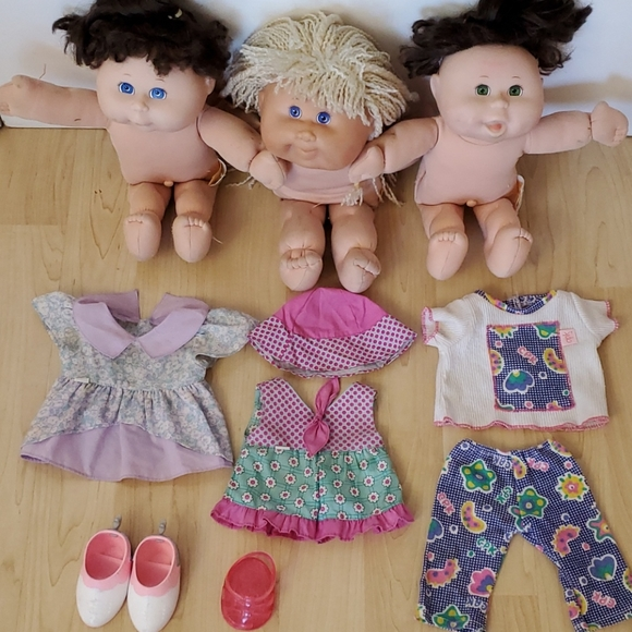 Lot of 3 Used Cabbage Patch Kids + Accessories